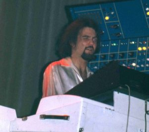 Albert Letecheur, Mellotron just about visible